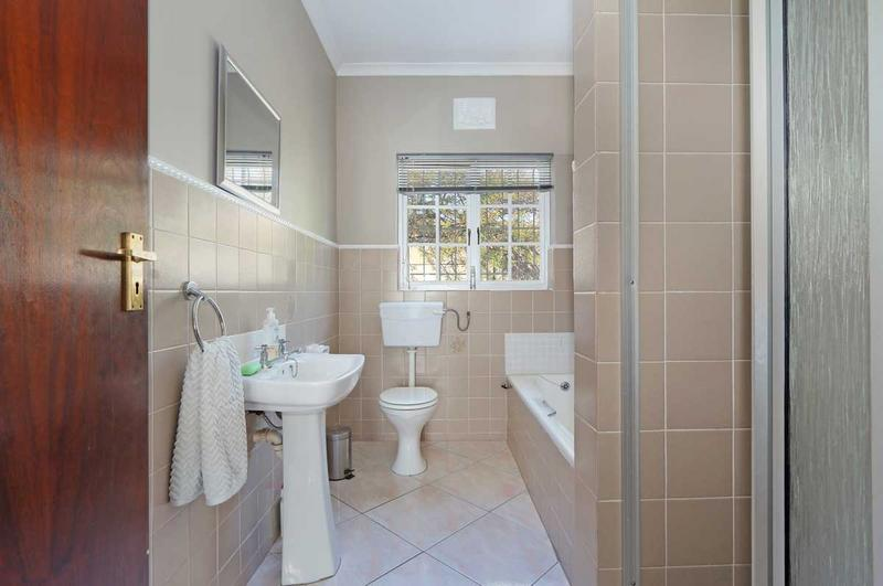 Property For Sale in Kirstenhof, Cape Town 9