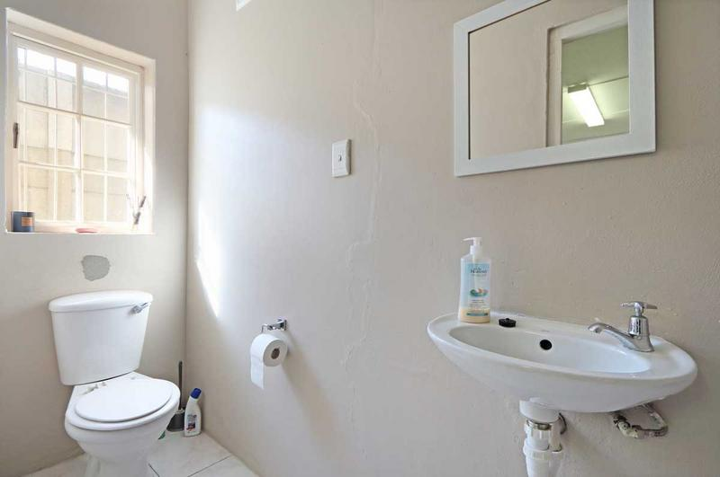 Property For Sale in Kirstenhof, Cape Town 14