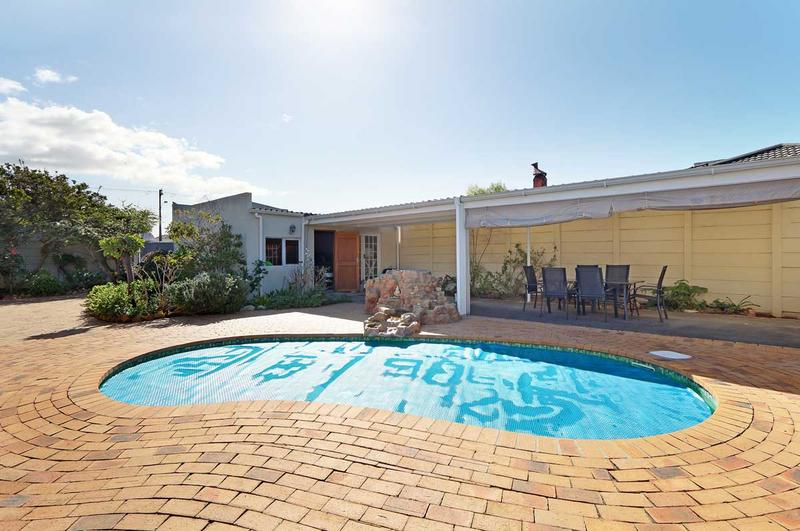 Property For Sale in Kirstenhof, Cape Town 16