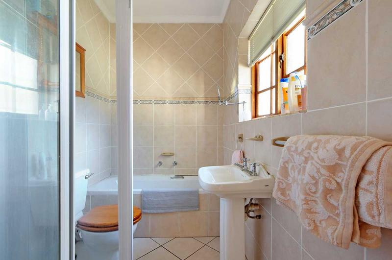 Property For Sale in Kirstenhof, Cape Town 22