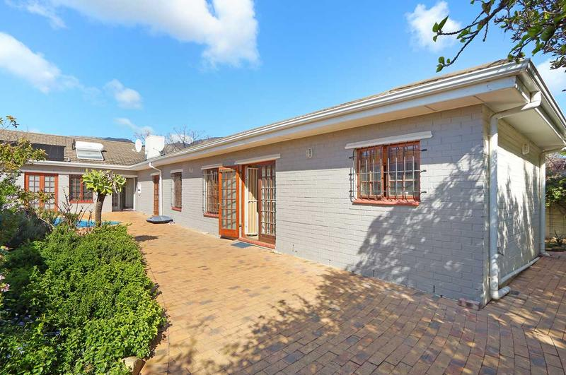 Property For Sale in Kirstenhof, Cape Town 24