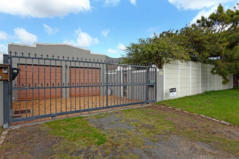 Property For Sale in Kirstenhof, Cape Town 25