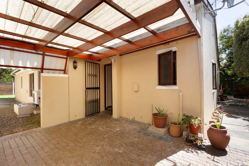 Property For Sale in Lakeside, Cape Town 24