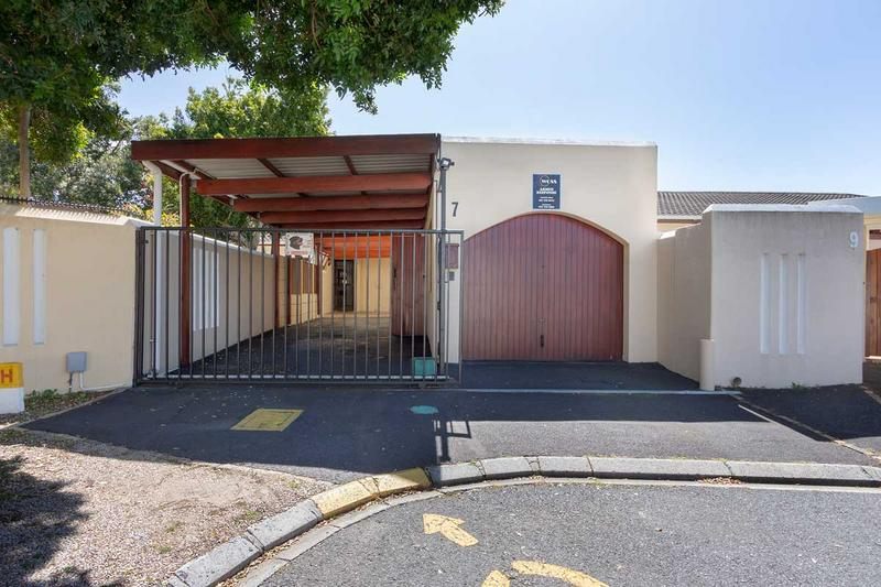 Property For Sale in Lakeside, Cape Town 25