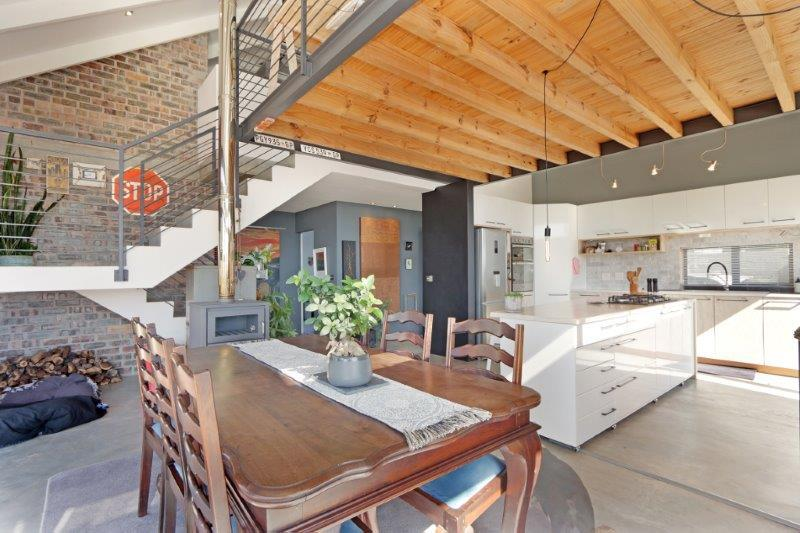 Property For Sale in Milkwood Park, Cape Town 3