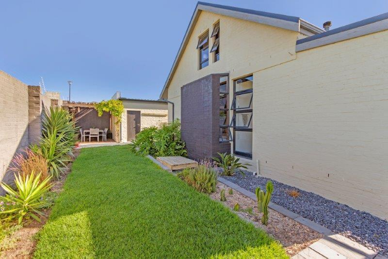 Property For Sale in Milkwood Park, Cape Town 24