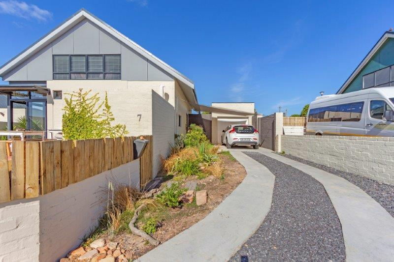Property For Sale in Milkwood Park, Cape Town 25