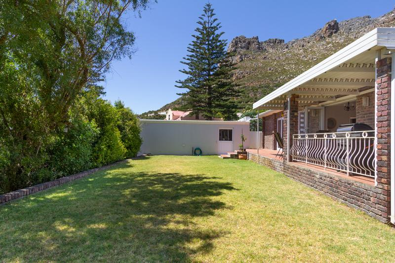 Property For Sale in Lakeside, Cape Town 21