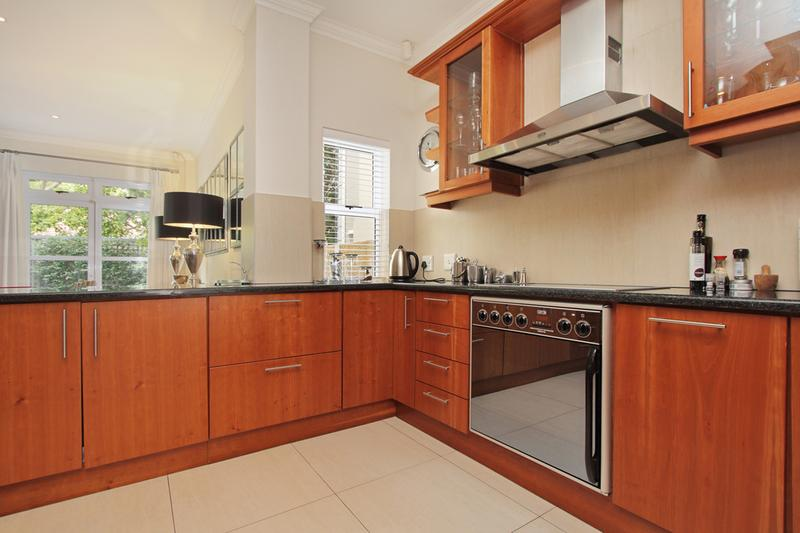 Property For Sale in Newlands, Cape Town 10